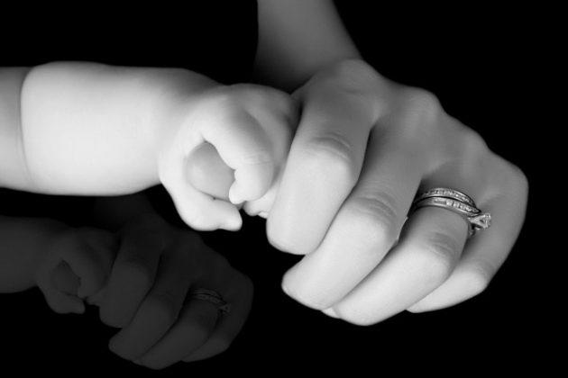 Quyết định làm bà mẹ đơn thân giải quyết đau khổ