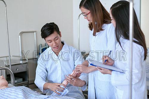Yêu cầu tuyển dụng đối với Điều dưỡng viên là gì?