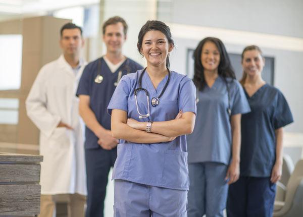 Học điều dưỡng chỉ cần tốt nghiệp THPT