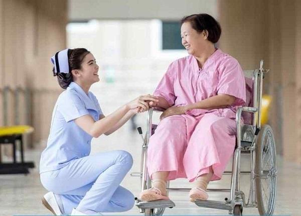 Những điểm khác biệt giữa điều dưỡng và y tá