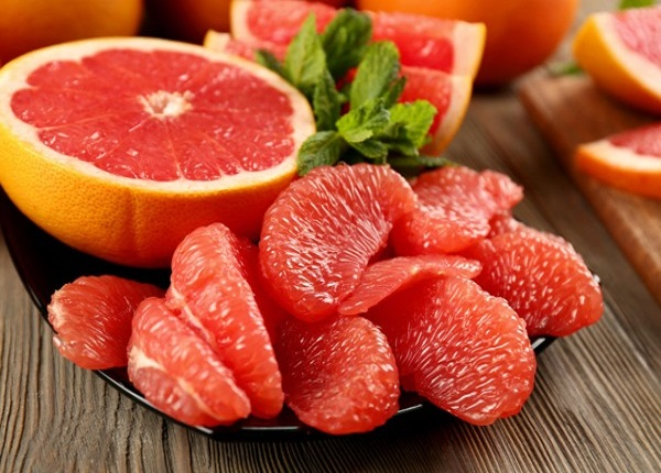 Quả bưởi chứa nhiều dưỡng chất có có dụng rất tốt đối với quá trình giảm cân