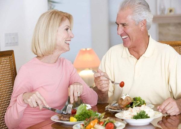 Dinh dưỡng hợp lý để người cao tuổi sống vui, sống khỏe hơn mỗi ngày
