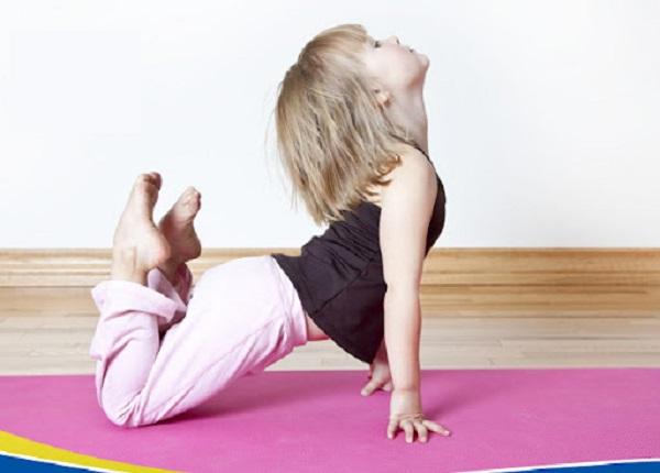 Hoạt động thể lực vừa giúp bé khỏe mạnh và giúp phát triển chiều cao